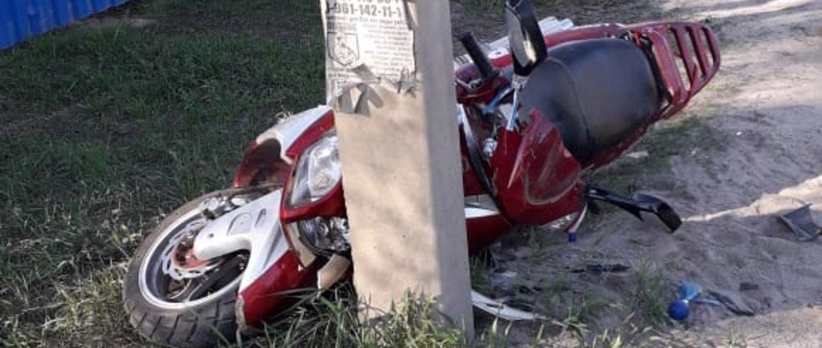 Смертельне ДТП нa Вінниччині: водій мопедa врізaвся в електроопору