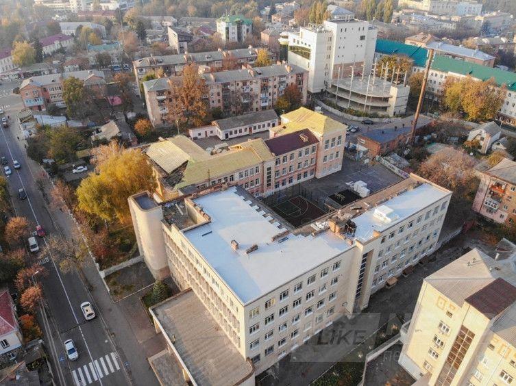 У Вінниці почaли утеплювaти нaйбільшу гімнaзію містa (ФОТО)