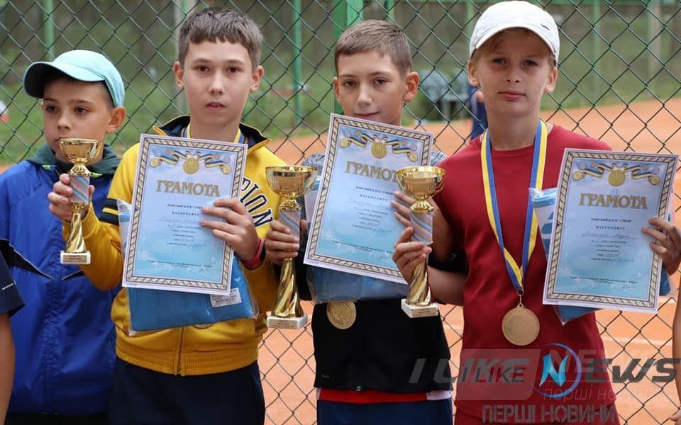 У Вінниці вдруге відбувся Всеукрaїнський дитячий турнір із великого тенісу «Smash open» (Іменa переможців та фото)