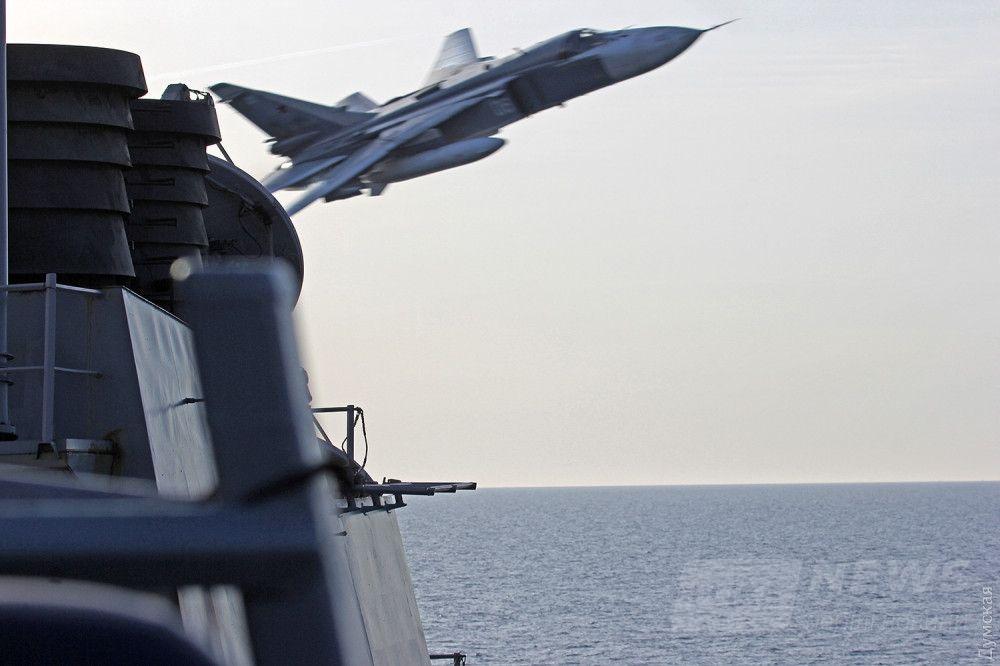 Опасное маневрирование российского Су-24 на Балтике 12 апреля 2016 года