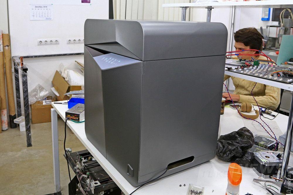 Новинка за 5000 долларов - настольный 3D-принтер