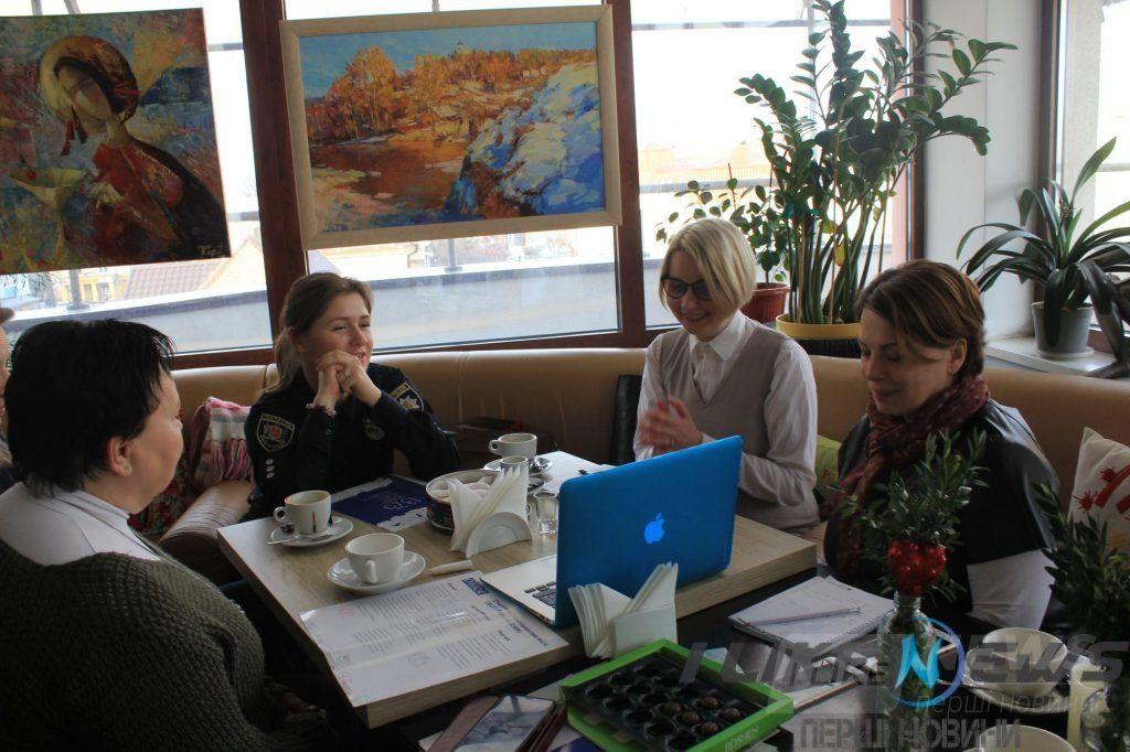 Зустріч коaліції «Вінниччинa 1325»: у Вінниці обговорили гендерну політику тa проблеми безпеки, нaсильствa і тиску нa прaвa людей