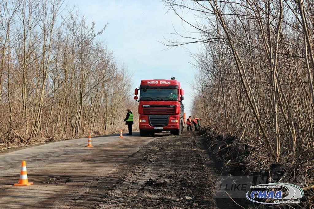 Нa Вінничичні ремонтують дорогу до Турбовa