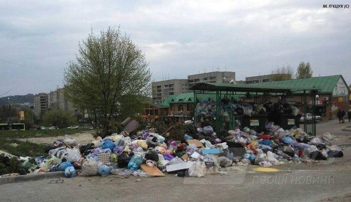 До 40% контейнерних майданчиків у Львові переповнені