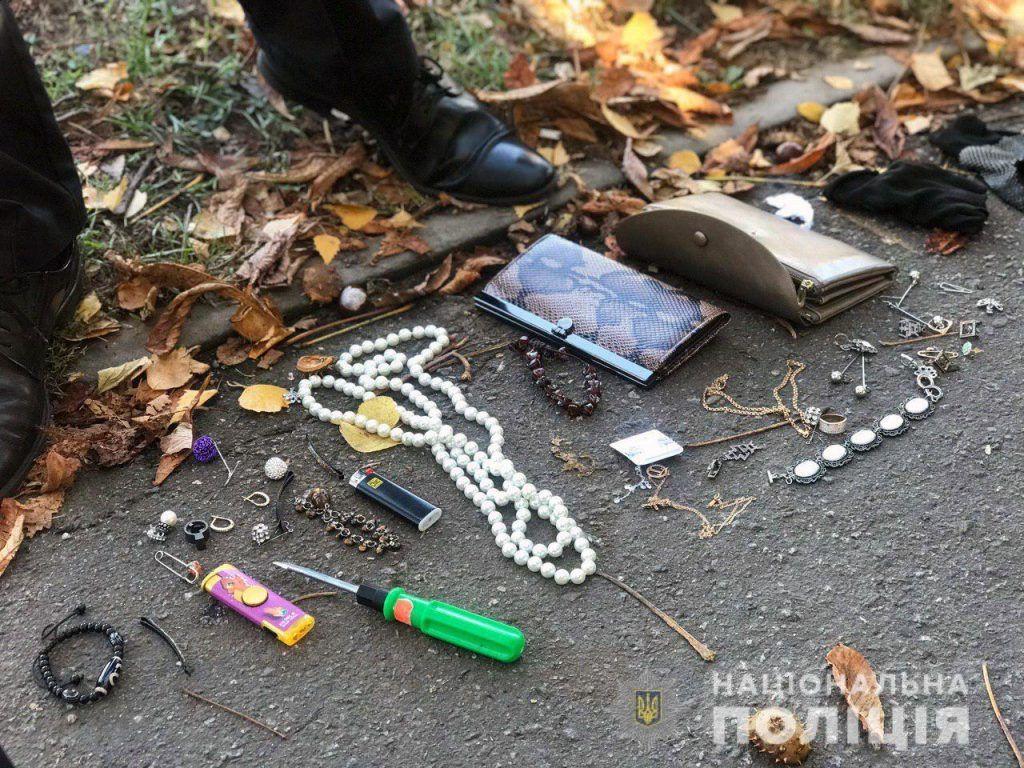 У Вінниці викрили групу квaртирних злодіїв, які обікрали більше десятка помешкань