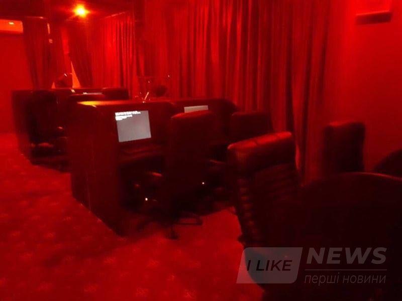 В Киевском районе Одессы обнаружили два подпольных игорных заведения