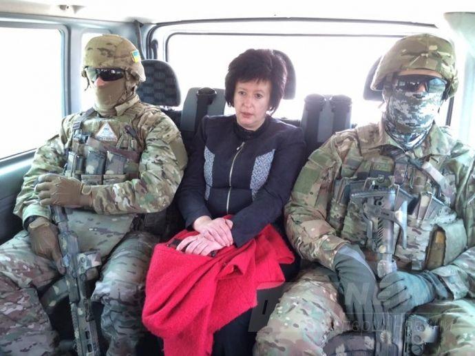Валерія Лутковська їде на місце передачи