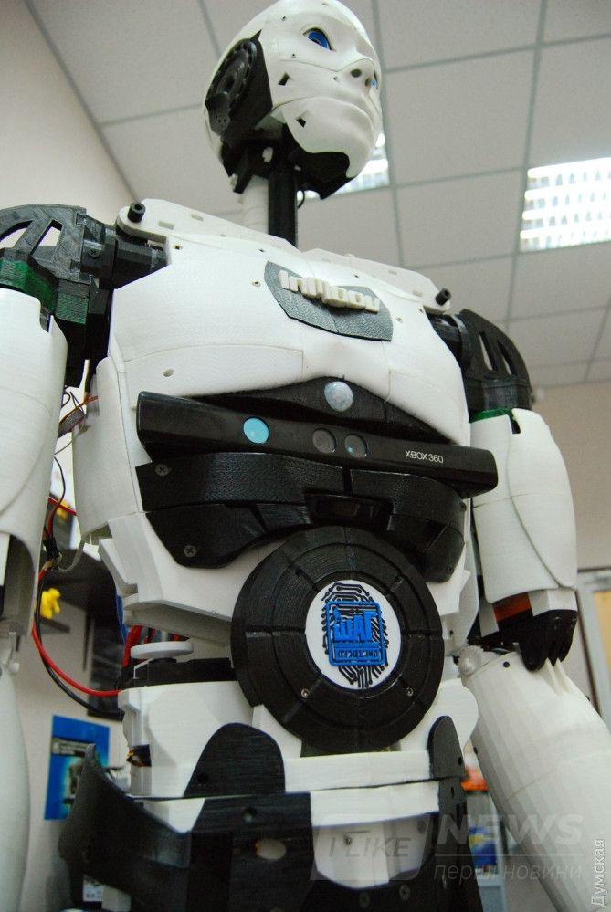 К проекту InMoov присоединились энтузиасты из десятков стран мира. Одесский робот - единственный такой в Украине