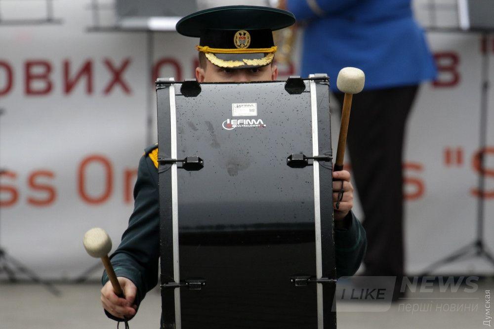 Барабанщик молдавского оркестра