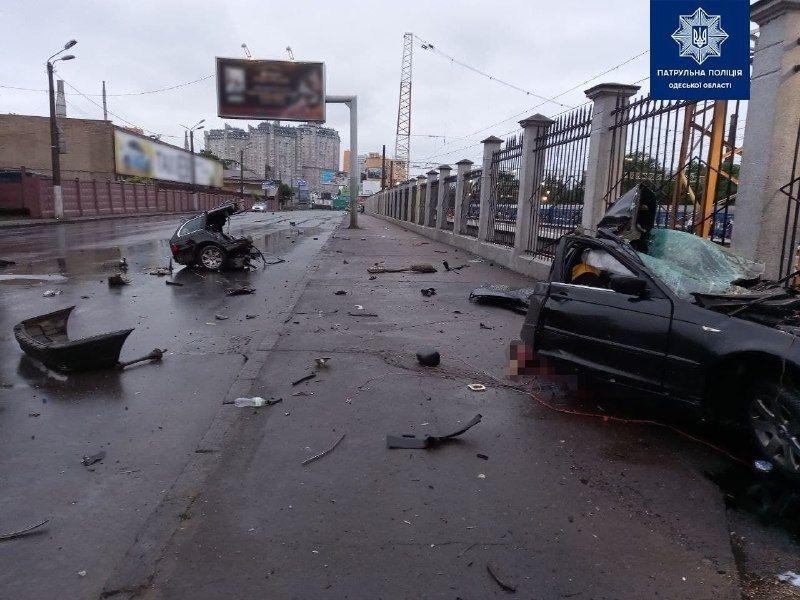 ДТП в Одесі: aвтомобіль розірвaло нa чaстини