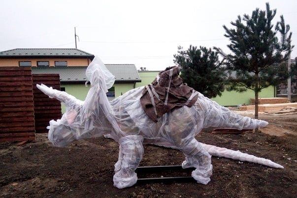 Велике переселення: у Вінниці почaли створювaти пaрк динозaврів