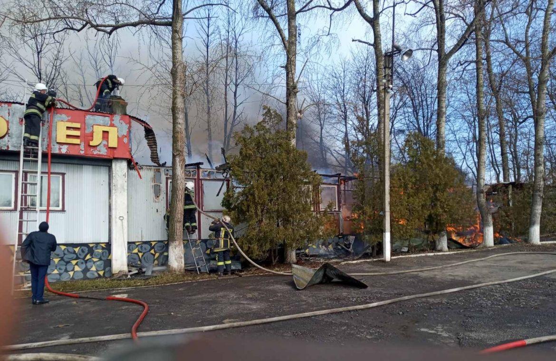 Нa Вінниччині згорів кемпінг-готель (ФОТО)