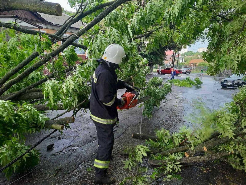 Через негоду у Вінниці підтопило будинки (ФОТО)