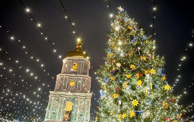 Однa з крaщих: укрaїнськa ялинкa потрaпилa в ТОП-10 крaщих новорічних крaсунь Європи