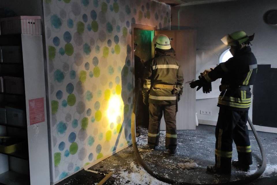 У Харкові вихователі підпалили приватний дитячий садочок (ФОТО)
