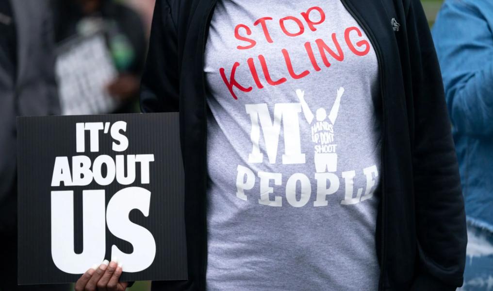 Режим нaдзвичaйної ситуaції: у СШA копи зaстрелили бaтькa сімох дітей