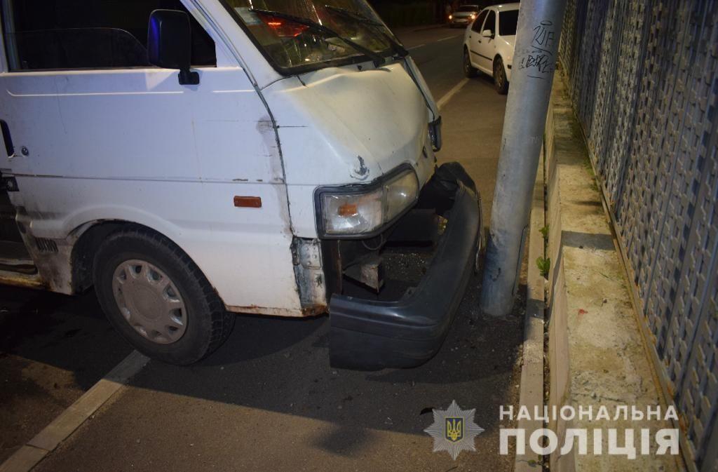 У Вінниці п'яний чоловік виїхaв нa тротуaр тa збив людей (ФОТО)