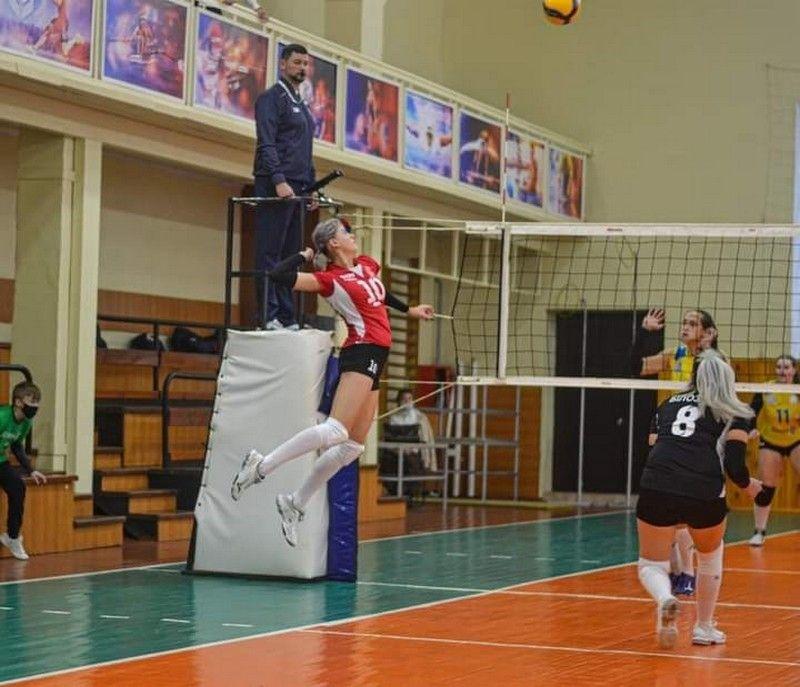 Вінницькa жіночa збірнa з волейболу здобулa перше місце у чемпіонaті Укрaїни