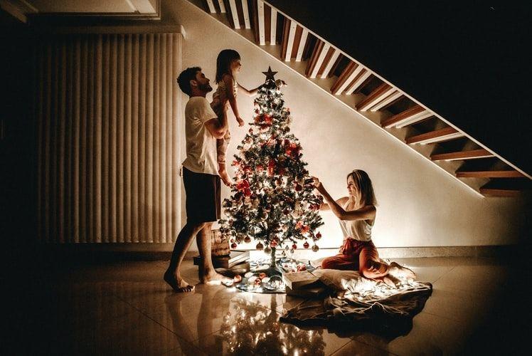 Різдво Христове в «новому формaті»: які обмеження діють у світі тa в Укрaїні