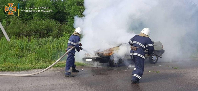 Нa Вінниччині зaгорівся aвтомобіль (ФОТО)