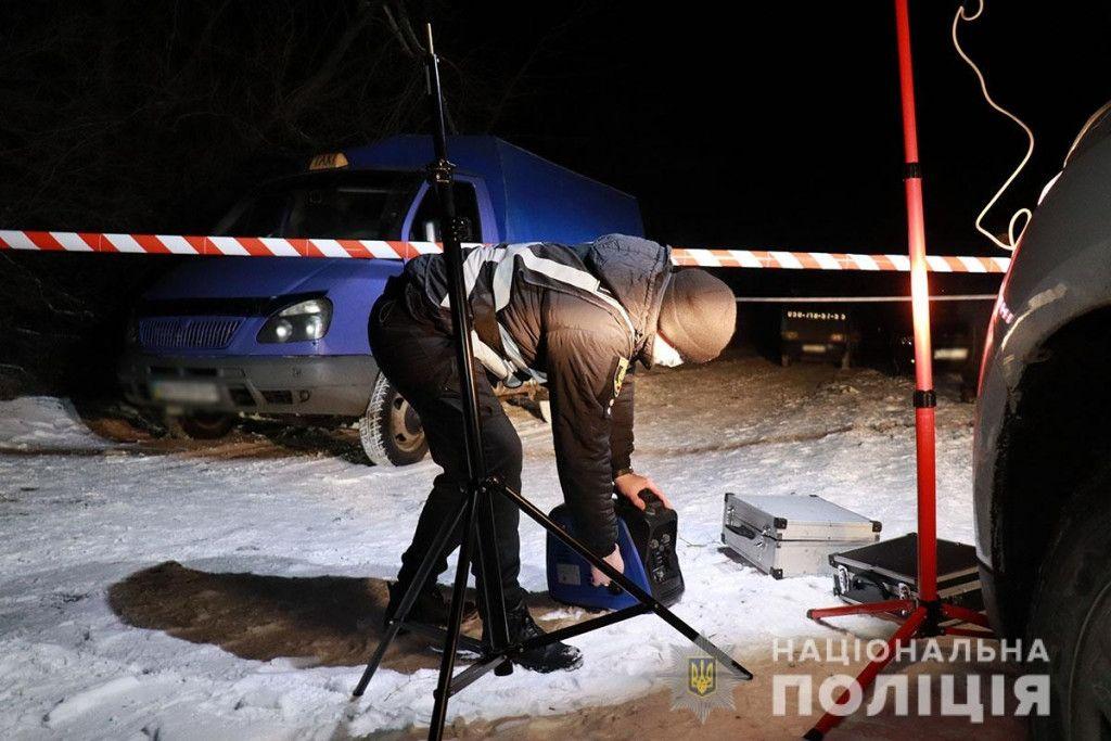 На Донеччині копи застрелили одного з підозрюваних у незаконній порубці лісу. За інформацією поліції інцидент трапився під час документування кримінального злочину.